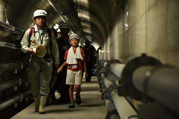 ダム監査路の見学(福岡県藤波ダム)